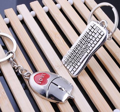 Llaveros de teclado y ratón